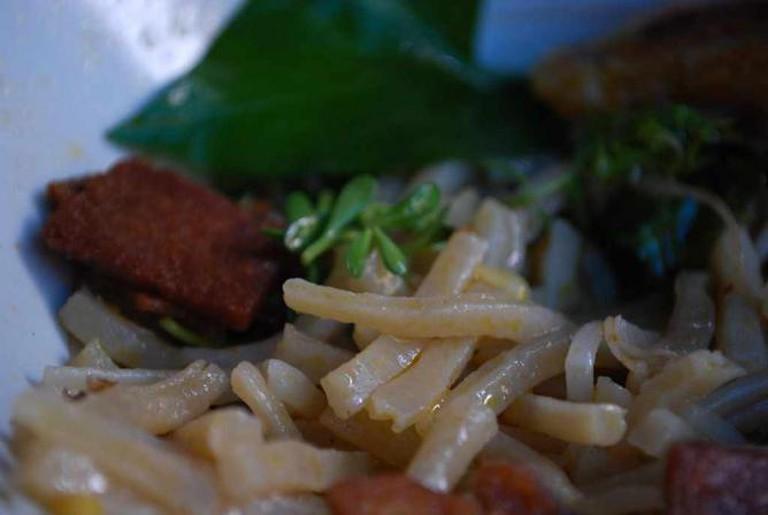 Cao Lau Noodles   © Alpha/Flickr