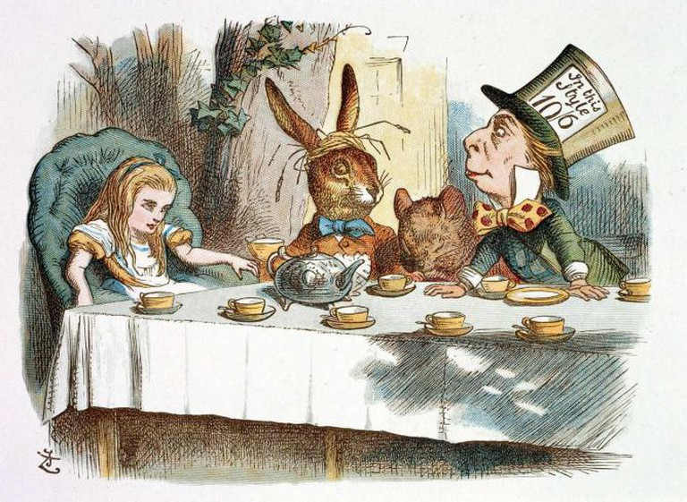 Alice at the Mad Hatter's Tea Party |© Stuart Rankin/ Flickr