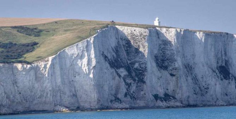 South Foreland Lighthouse and the White Cliffs of Dover | © Tobias von der Haar