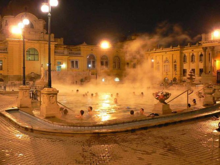 Baths in Budapest | © Neef - 2/Wikicommons