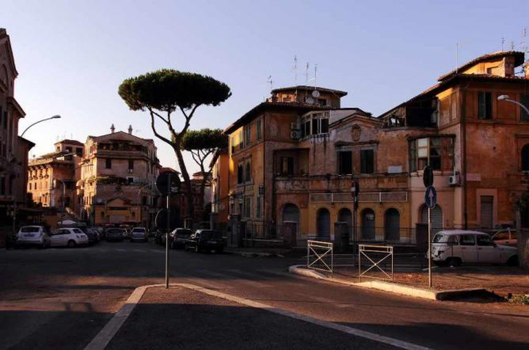 Garbatella, Piazza Giovanni de Triora | © Bruno/Flickr