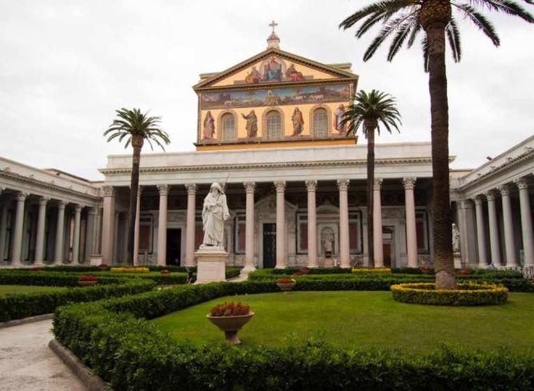 Saint Paul's Basilica | © Lawrence OP/Flickr