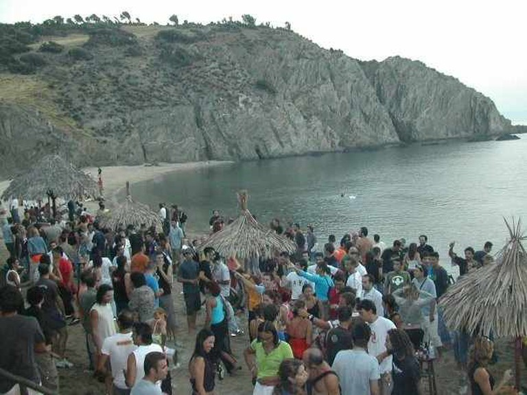 Goa crowds | Courtesy of Goa Beach Bar