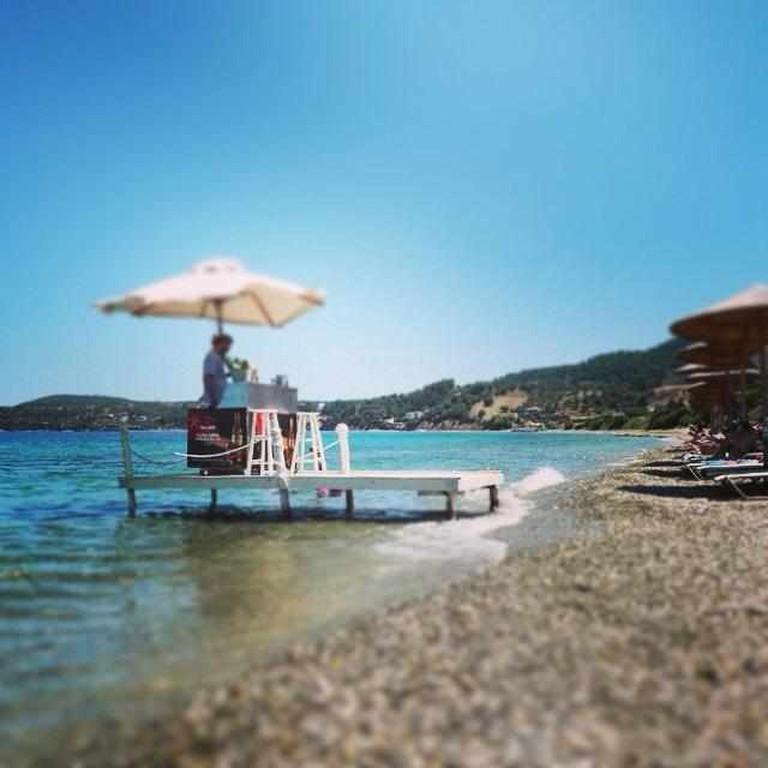 Navagos stunning location | Courtesy of Navagos Beach Bar
