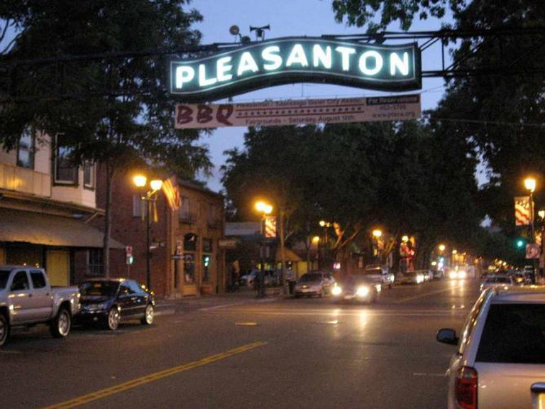 Downtown Pleasanton | © Jay Galvin/Flickr