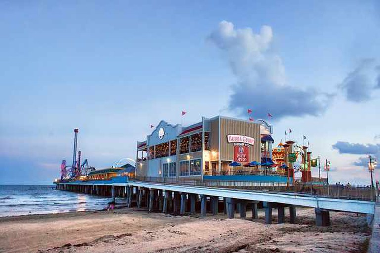 Pleasure Pier | ©Katie Haugland/Flickr