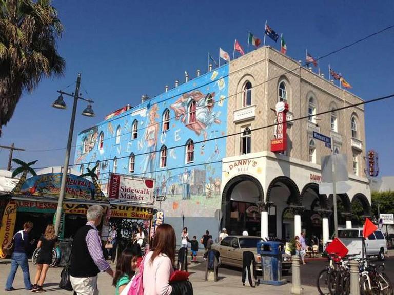 Danny's Venice at Venice Beach Boardwalk   ©Der-wuppertaler/WikiCommons