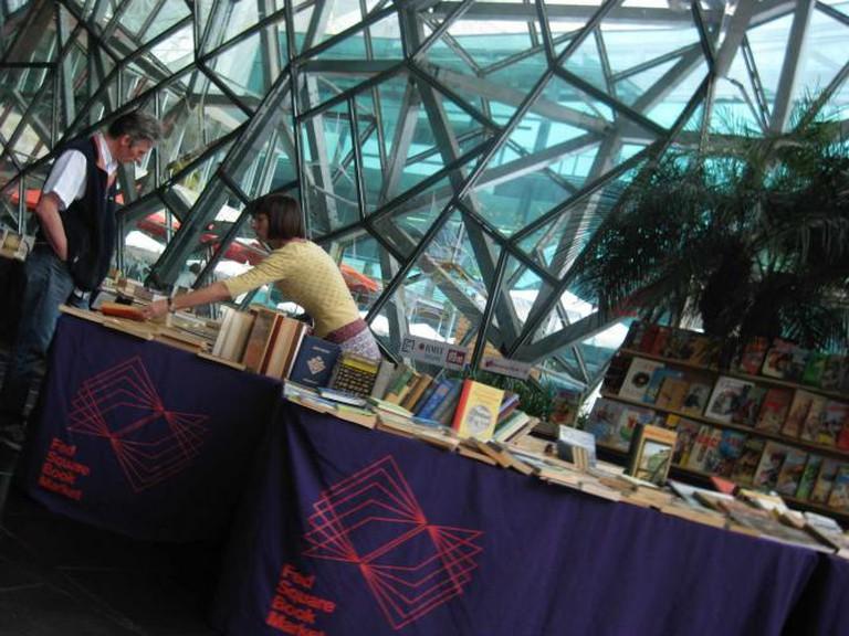 Book Market | © Helen K./Flickr