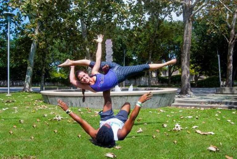 Nosie Yogi demonstrate Hangle Dangle pose   © Morgan Cronin