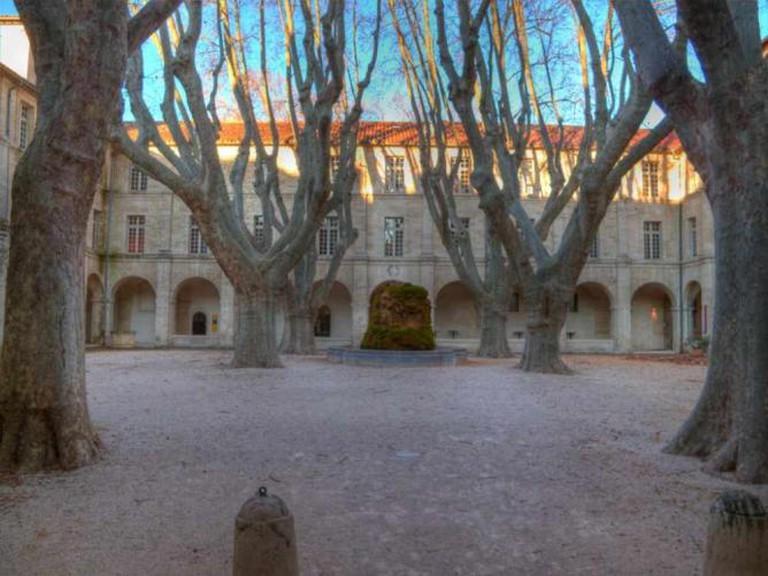 Cloitre Saint Louis Courtyard