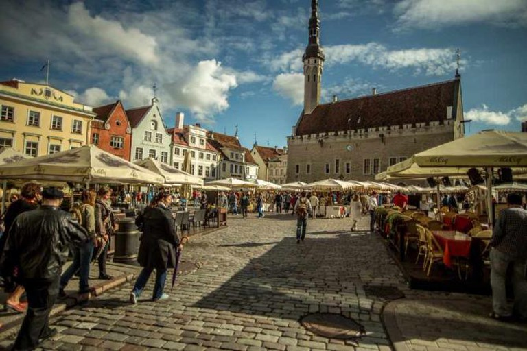 Town Hall Square in Tallin   © evsola/pixabay