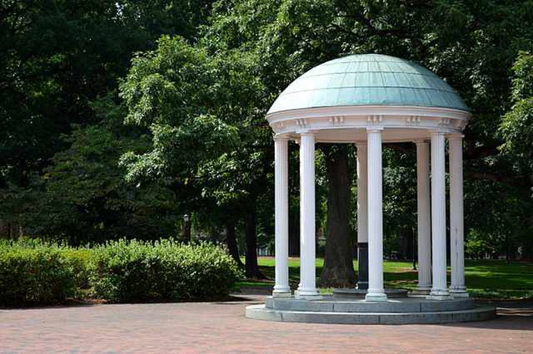 UNC's Old Well | © yuengb/WikiCommons