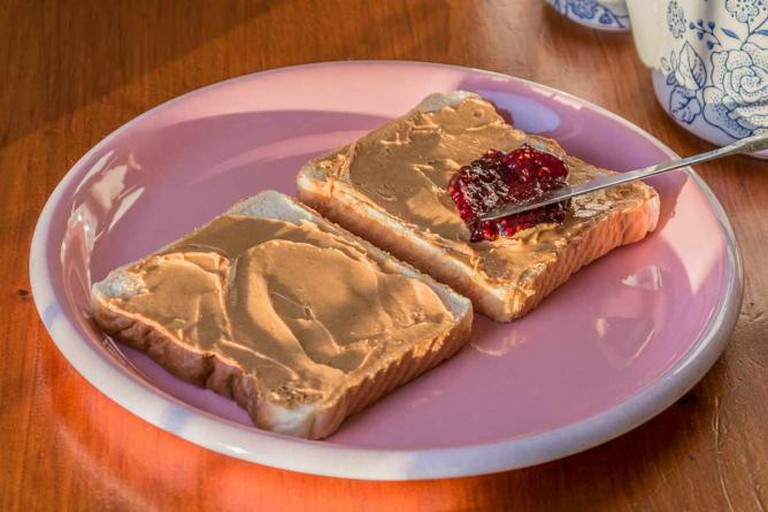 A classic peanut butter and jelly sandwich | © Matias Garabedian/Flickr
