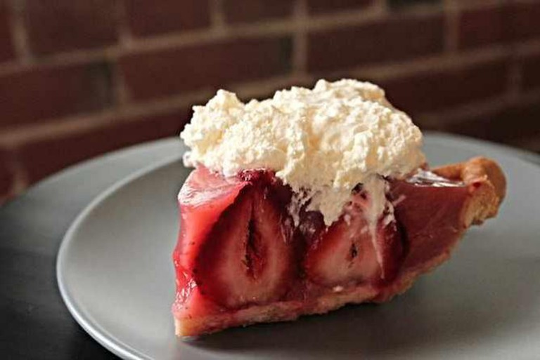 Strawberry Pie from The Pie Hole | © L.A. Foodie/Flickr
