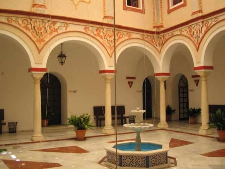 Sevillian Style Patio | © Rafael Ortega Díaz/WikiCommons