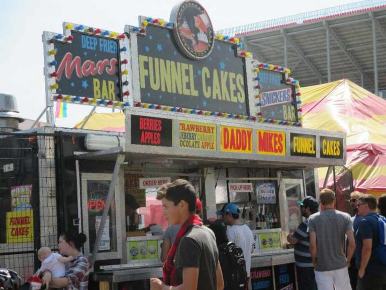 Funnel Cakes Stand © Rebecca Bartley