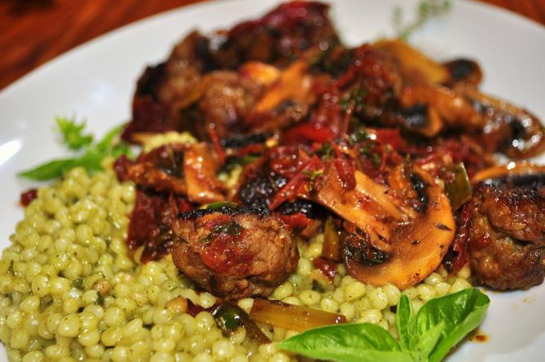 Couscous with meatballs | © jeffreyw/Flickr