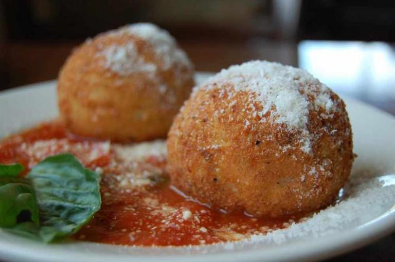 Traditional Sicilian Arancini | © stu_spivack/Flickr