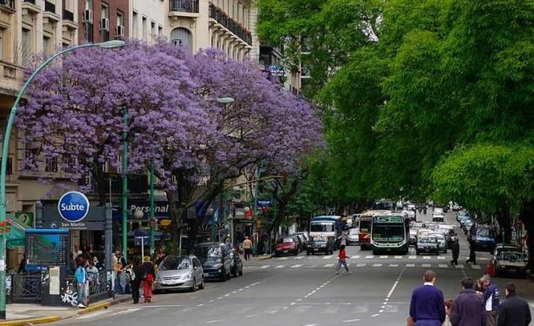 Avenida Santa Fe, Palermo/Las Cañitas | Ⓒ Beatrice Murch/Flickr
