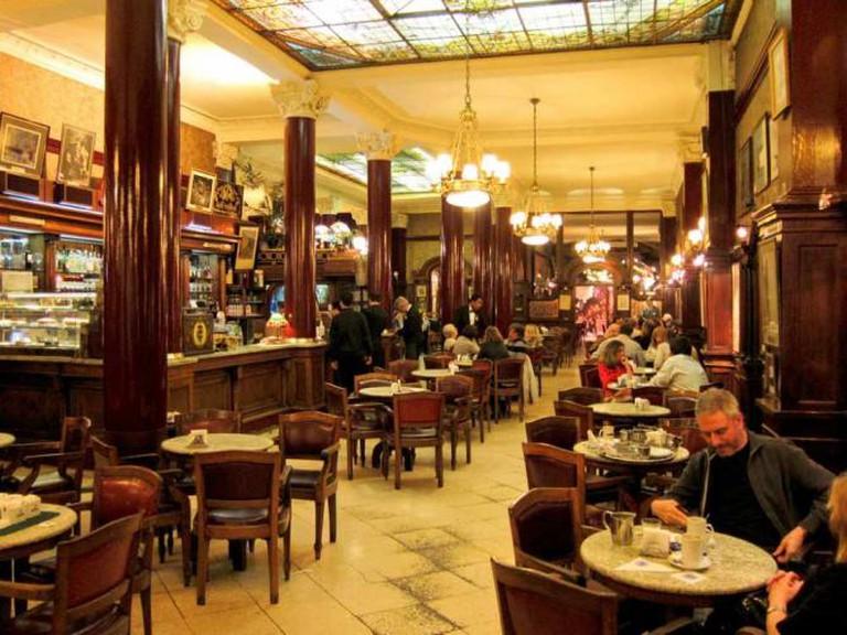Café Tortoni   Ⓒ Miguel Vieira/Flickr
