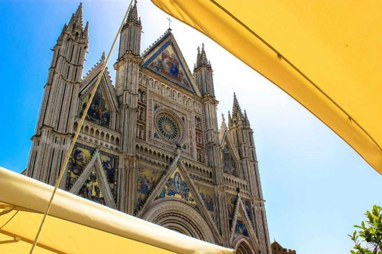Duomo through the café sunscreens | © Andy Hay/Flickr