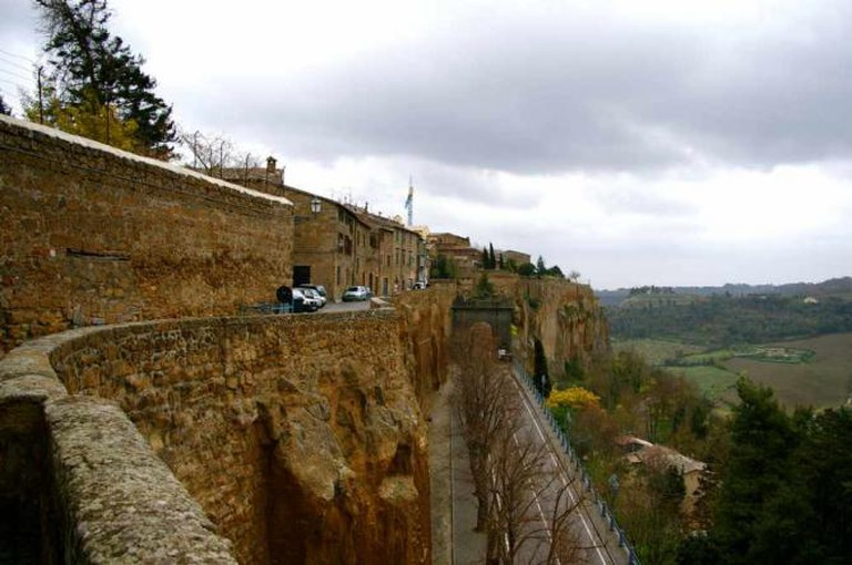 Orvieto from the cliff upon which it stands | © teldridge+keldridge/Flickr