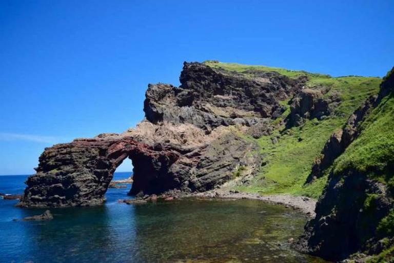 Tsutenkyo Arch Kuniga coastline