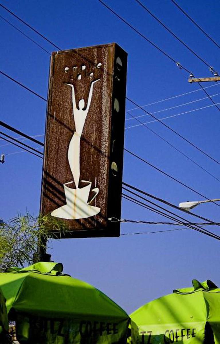 Breakfast time(Corporate Coffee Sucks)   © mario/Flickr