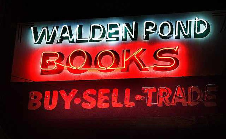 Walden Pond Books | © Thomas Hawk/Flickr