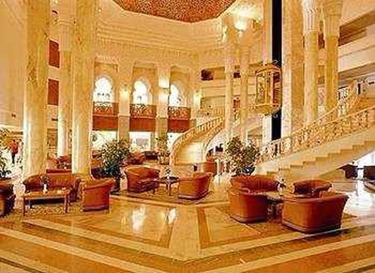Miami Club, Amir Palace