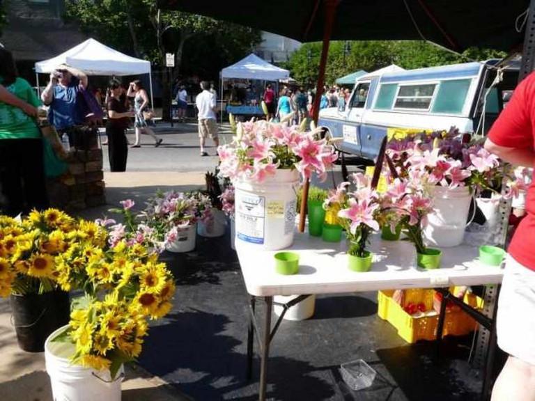 Fayetteville Farmers Market | © Overduebook/Flickr