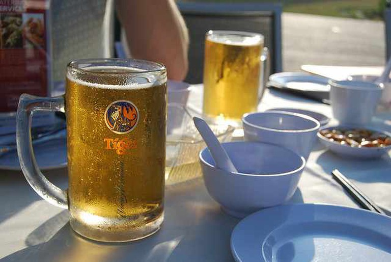 Mmm cold cold Tiger beers | © miss_yasmina/Flickr