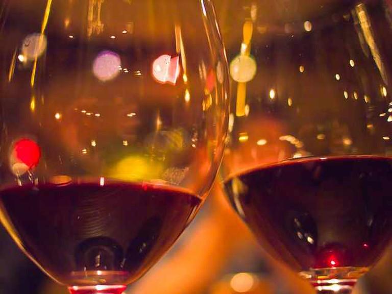 Cheers! | © Marlon E/Flickr