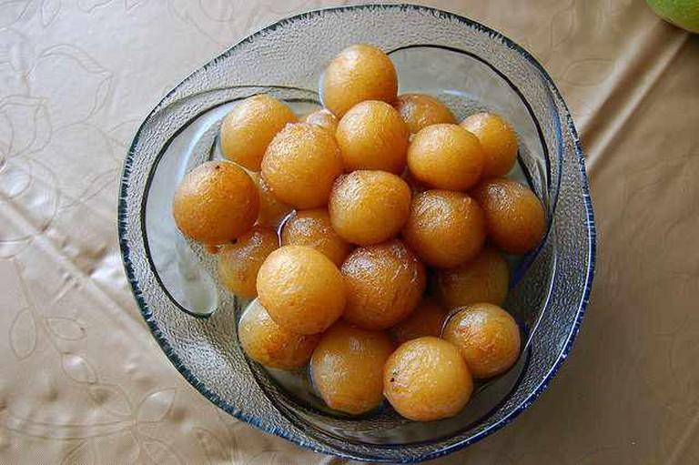Bowl of Gulab Jamuns   © Upendra Kanda/Flickr