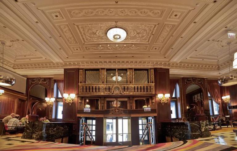 Renaissance Blackstone Chicago Hotel | © 900hp/Flickr
