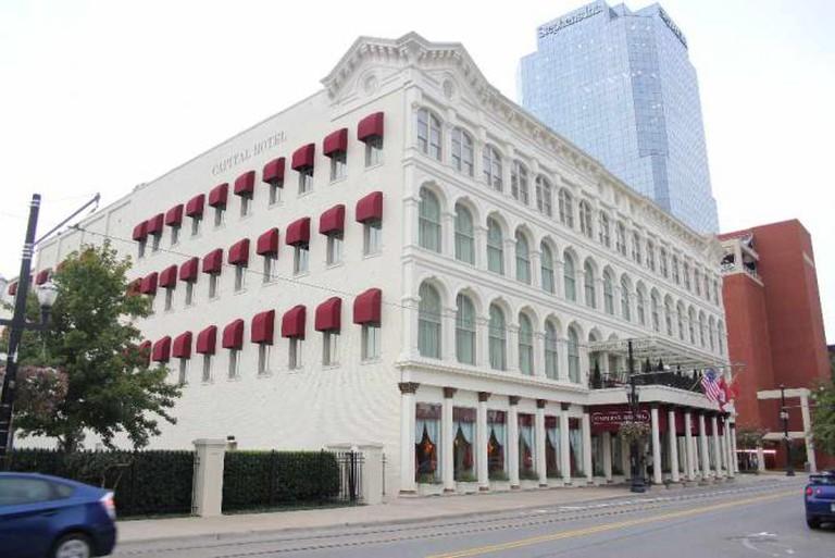 The Capital Hotel exterior ©Abish Tatum/WikiCommons