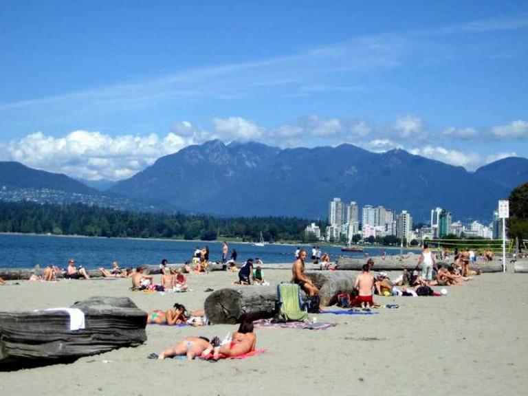 Vancouver's Kits Beach | ©  Jaime Horwitz Rodriguez/Flickr