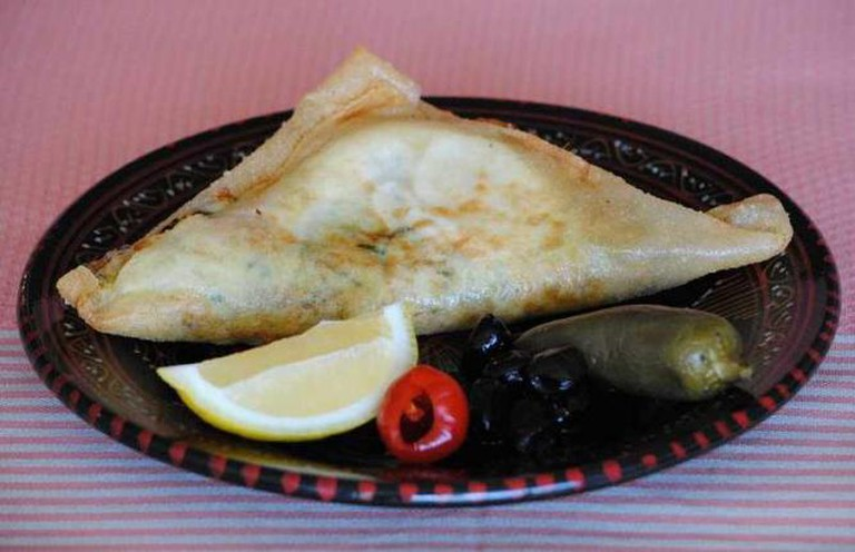 Tunisian classic Brik à l'oeuf | © Fedor/Flickr
