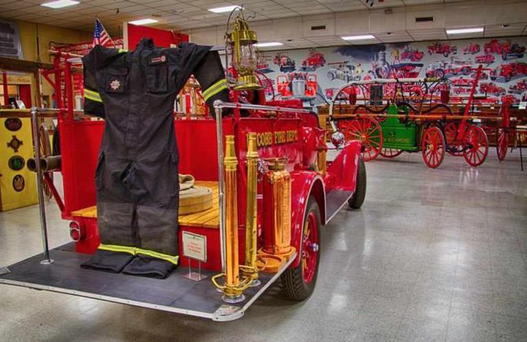 Old firefighter equipment | © Kool Cats Photography over 5 Million/Flickr