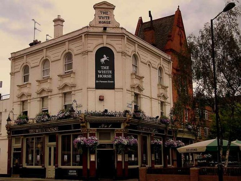 The White Horse Parsons Green © Calflier100
