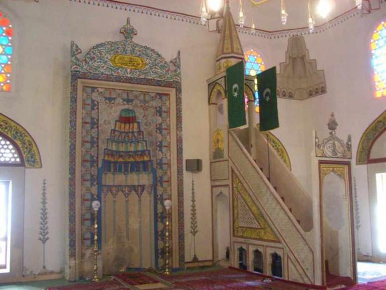 Inside Koski Mehmed Paša Mosque | Ⓒ Saskia Heijltjes/Flickr