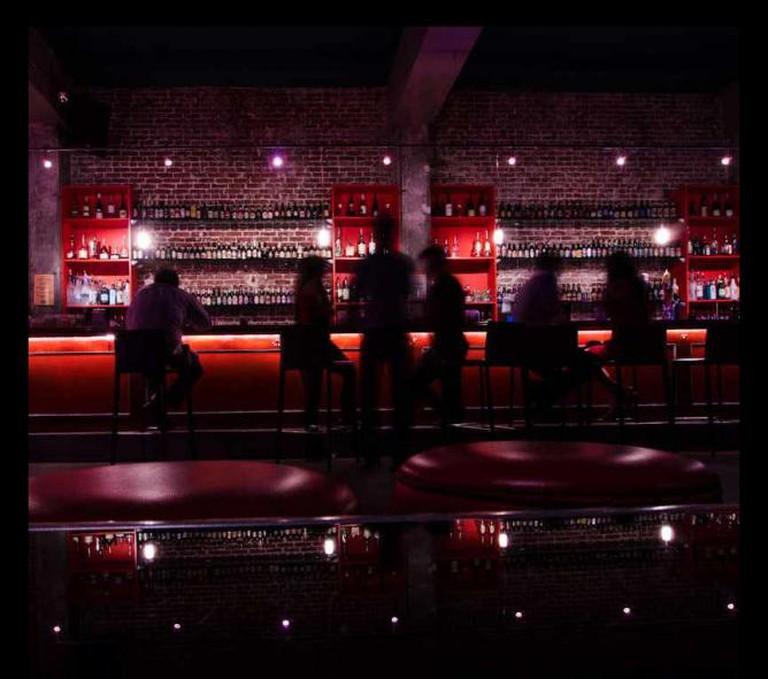 Bar 35