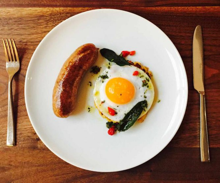 Maple Link with Potatoes O'brien & Apricot Lane Farms Duck Egg © Farmshop