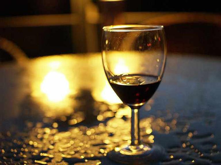 wine glass   © Andrei Niemimäki/Flickr