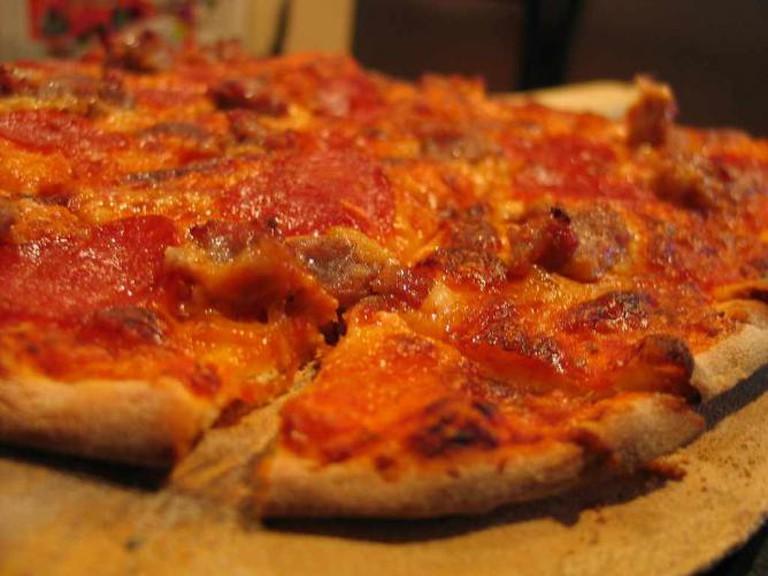 Pizza | © edheller42/Flickr