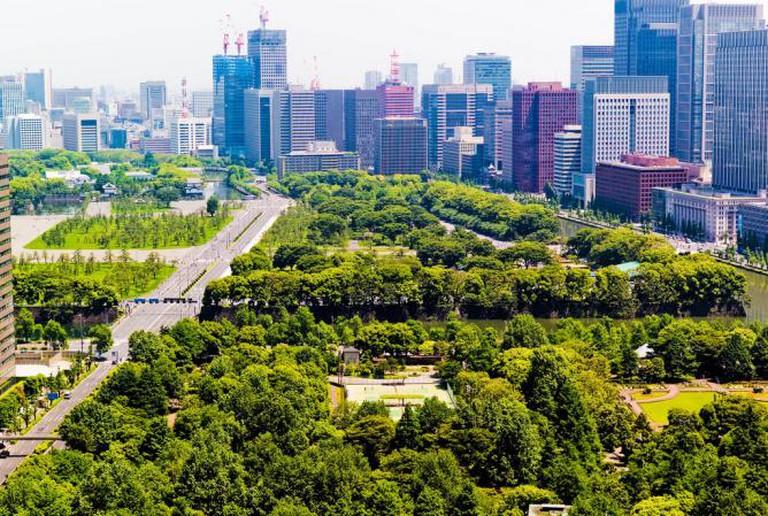 Looking over Hibiya Park | © Joi Ito/Flickr