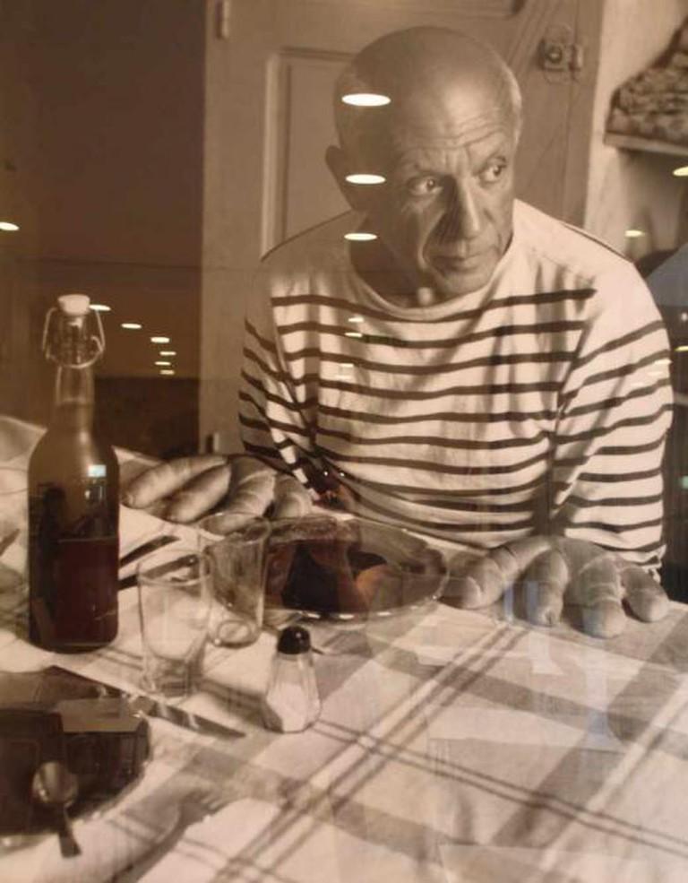 Robert Doisneau's Les pains de Picasso   © Becky Snyder