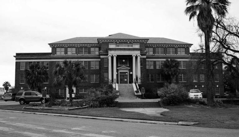 Former Jefferson Davis Hospital | © Nakrnsm/Flickr
