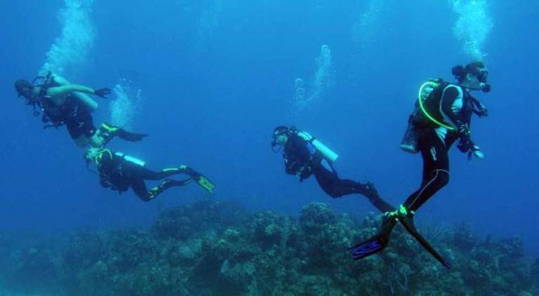 Scuba/ Snorkeling   © U.S. Navy photo by Mass Communication Specialist 1st Class Jayme Pastoric/WikiCommons