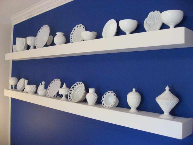 Milk Glass Collection   © Hotholler/Wikimedia Commons